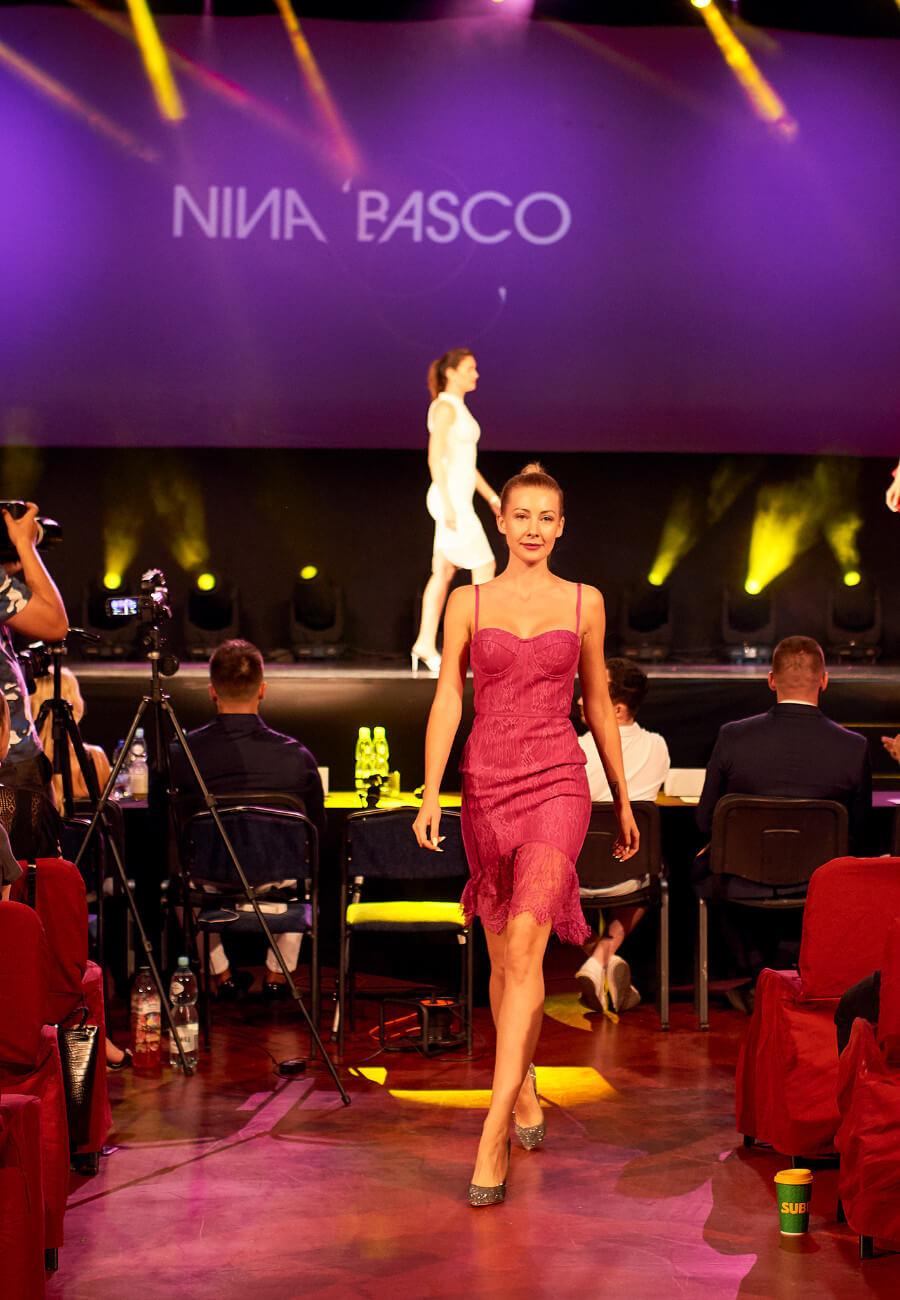 Nina Basco na Muscle Mania